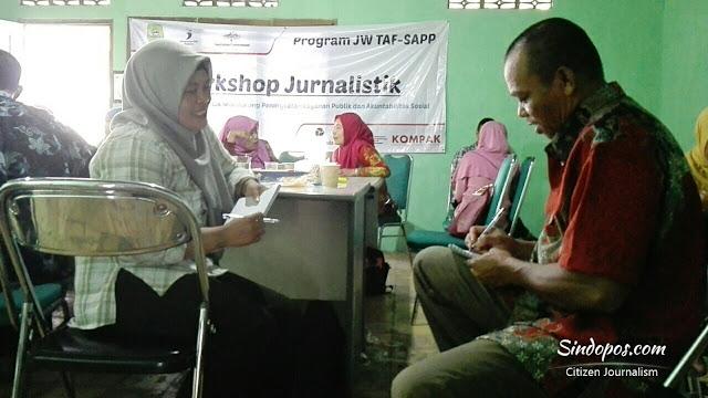 praktek-wawancara-workshop-jurnalistik-untuk-warga.jpg