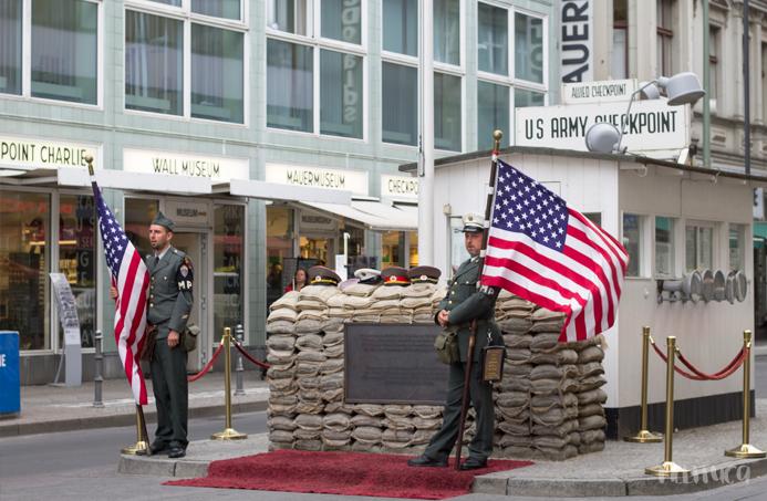 descubriendo berlin fotografía checkpoint