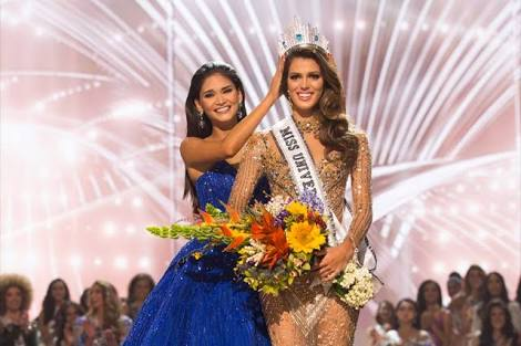 Miss Universe 2015 Pia Wurtzbach passed the crown to Miss France Iris Mittenaere.