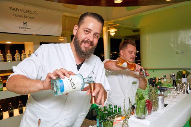 Getränke-Gutschein im Adventskalender 2017 (C) HL Cruises