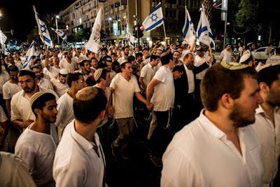 Pesquisa revela que israelenses preferem o Estado e a lei religiosa acima dos valores ocidentais