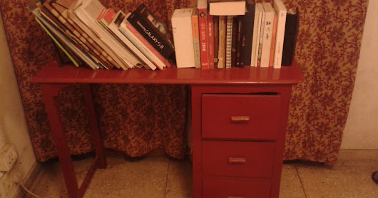 The red desk