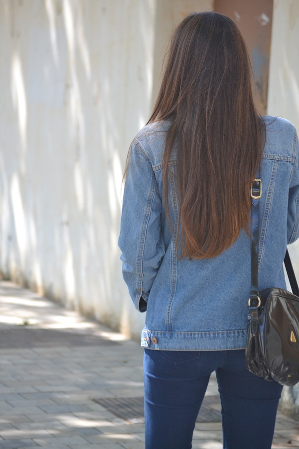 denim jacket, vintage purse, vintage bag, lara pasarin, skinny jeans