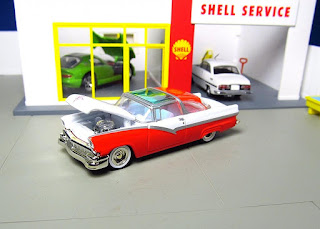 Hot Wheels Oil Can '56 Ford Fairlane Crown Victoria