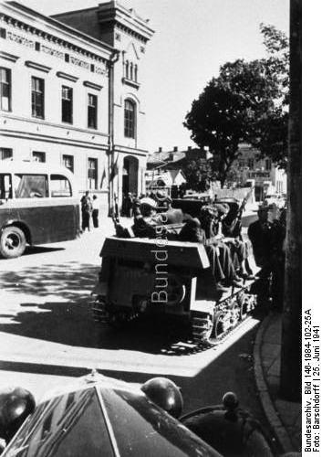 German troops in Kaunas 25 June 1941 worldwartwo.filminspector.com