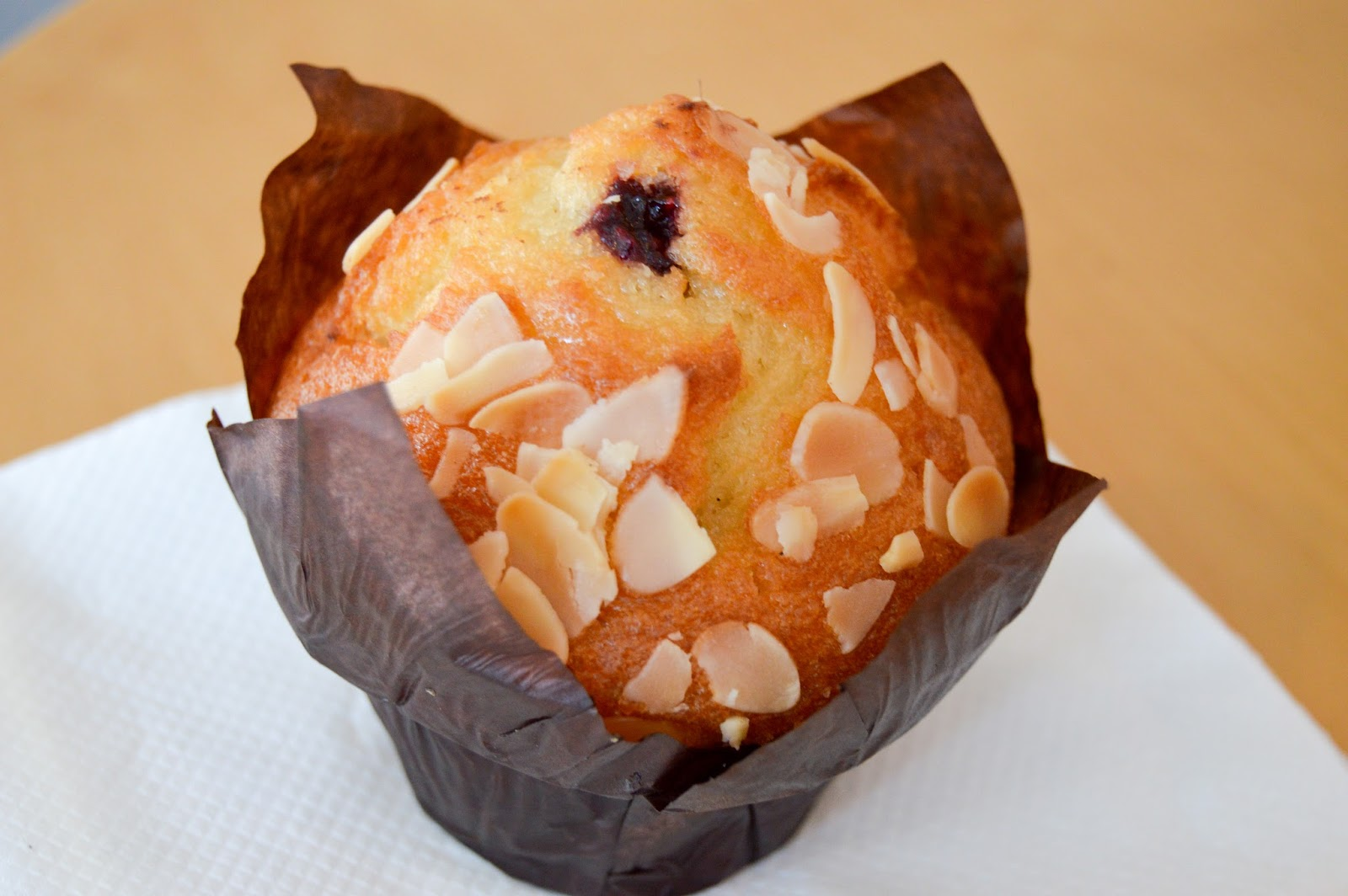 almond muffin free stock photos - royalty free images - free wallpapers