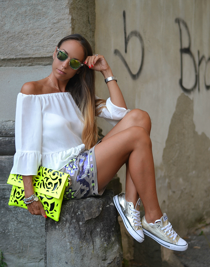 gold converse all star