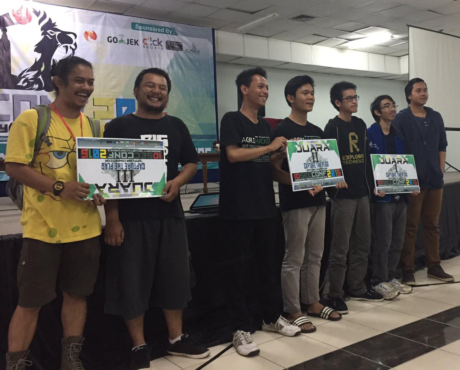 Pemenang CTF Offline (Sumber: IdSecConf 2016)
