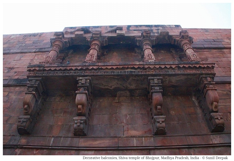 Sandstone balconies, Shiva temple, Bhojpur, Madhya Pradesh, India - Images by Sunil Deepak