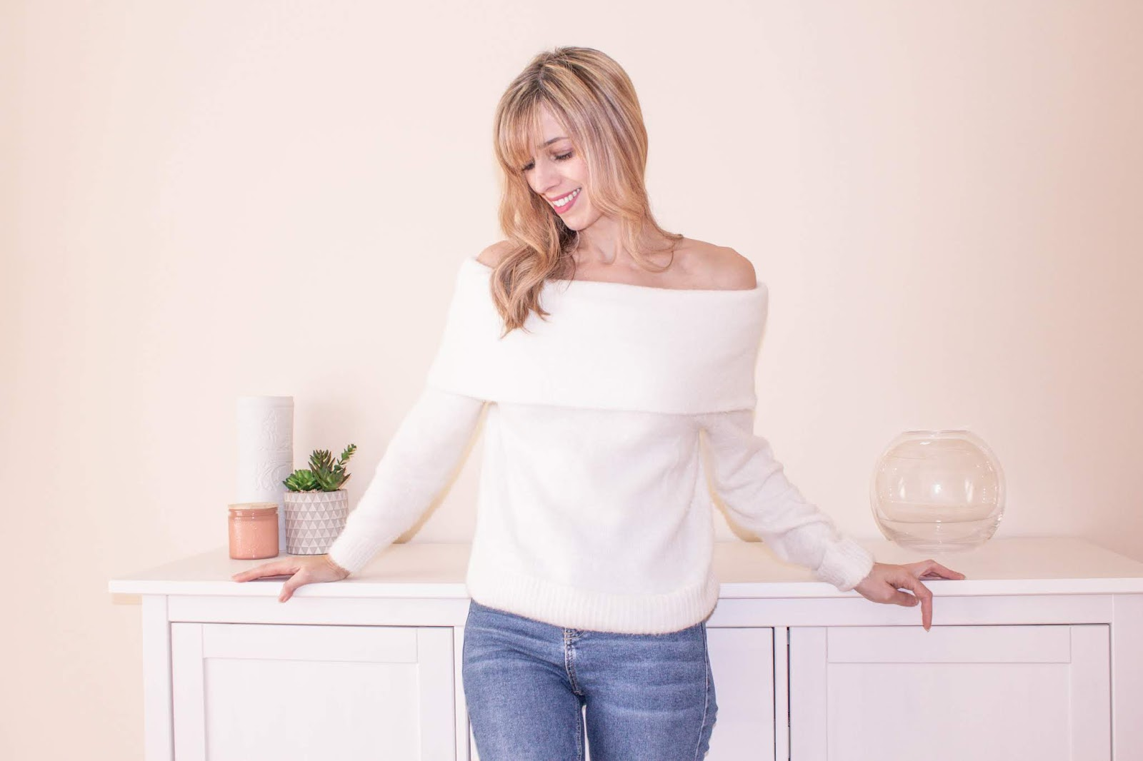 White off the shoulder jumper from H&M