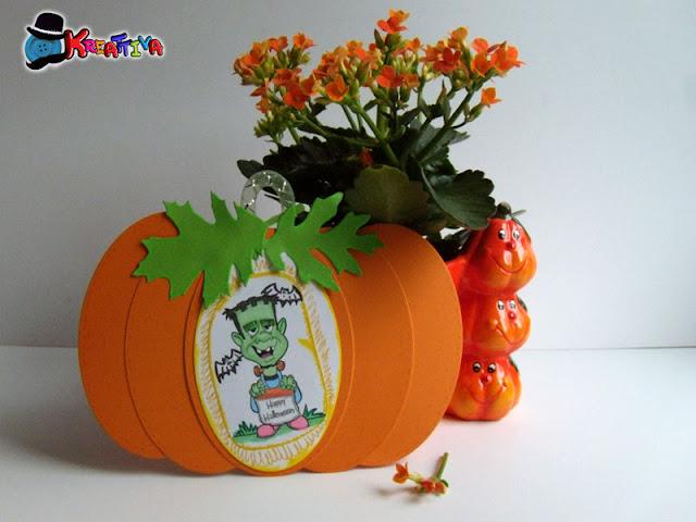 lavoretto creativo per bambini - zucca di carta da appendere