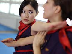 [FOTO-VIDEO] Pramugari Hongkong Airlines Wajib Bisa Kung Fu