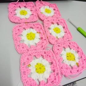Crochet Granny Square Bunga