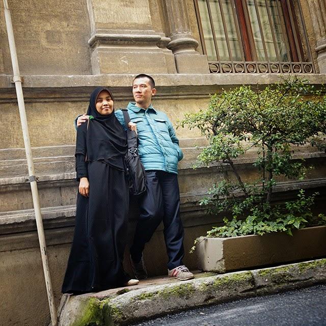 foto Ustad Felix Siauw dan istri