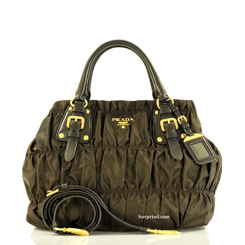 bffb9b2a6632 Prada BN1792 - Gaufre Nylon Tessuto Bag. * Appr Size :13(L) x 11(H) x 6(W)  inches * Signature Nylon in Gold-plated hardware