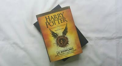 Harry Potter e a Criança Amaldiçoada, capa.