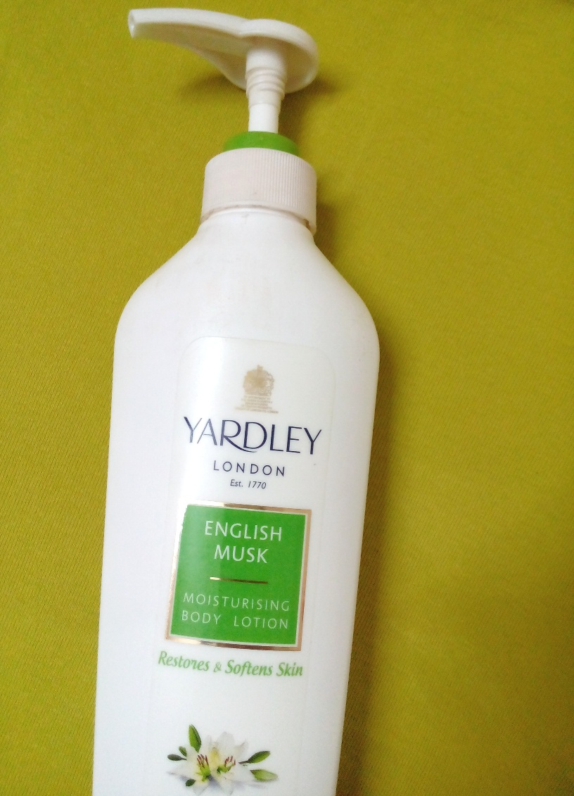 Yardley London English Musk Moisturizing Body Lotion Review, Pictures & Swatches