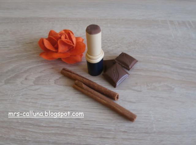 Naturalna szminka o zapachu budyniu czekoladowego - DIY