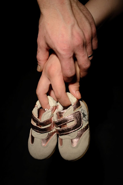 Saippuakuplia olohuoneessa- blogi, kuva Hanna Poikkilehto, raskauskuvaus, valokuvaus,