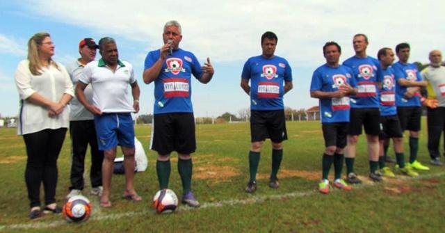 Roncador realiza jogo festivo com ex-craques do futebol brasileiro