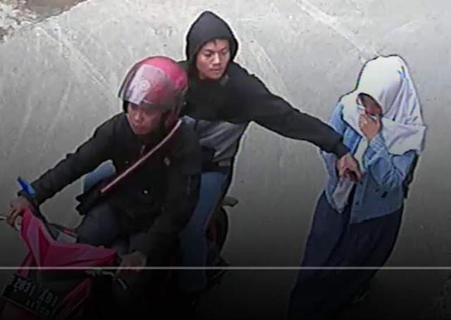Aksi Jambret Ponsel Terekam CCTV