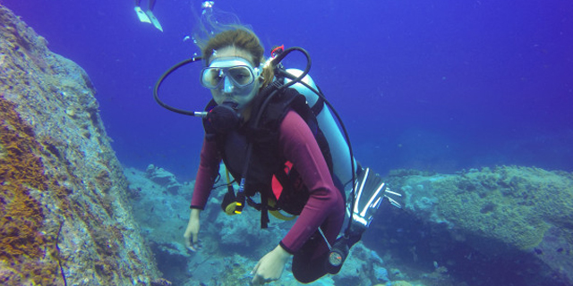 Experiencing the thrilling and exciting wonders of the sea with an exciting Scuba Diving in Goa will become memorable. Viewing the marine life under sea will continue to amaze you. Sea water sports will help you with its excellent service. Sea Water Sports conducts Scuba Diving at Grand Island. It will take 45 minutes for diving as well training. You will get this opportunity in Goa at a cheaper rate. There will be pick and drop service from hotel to the diving centre. You will serve with tea or coffee and some snacks
