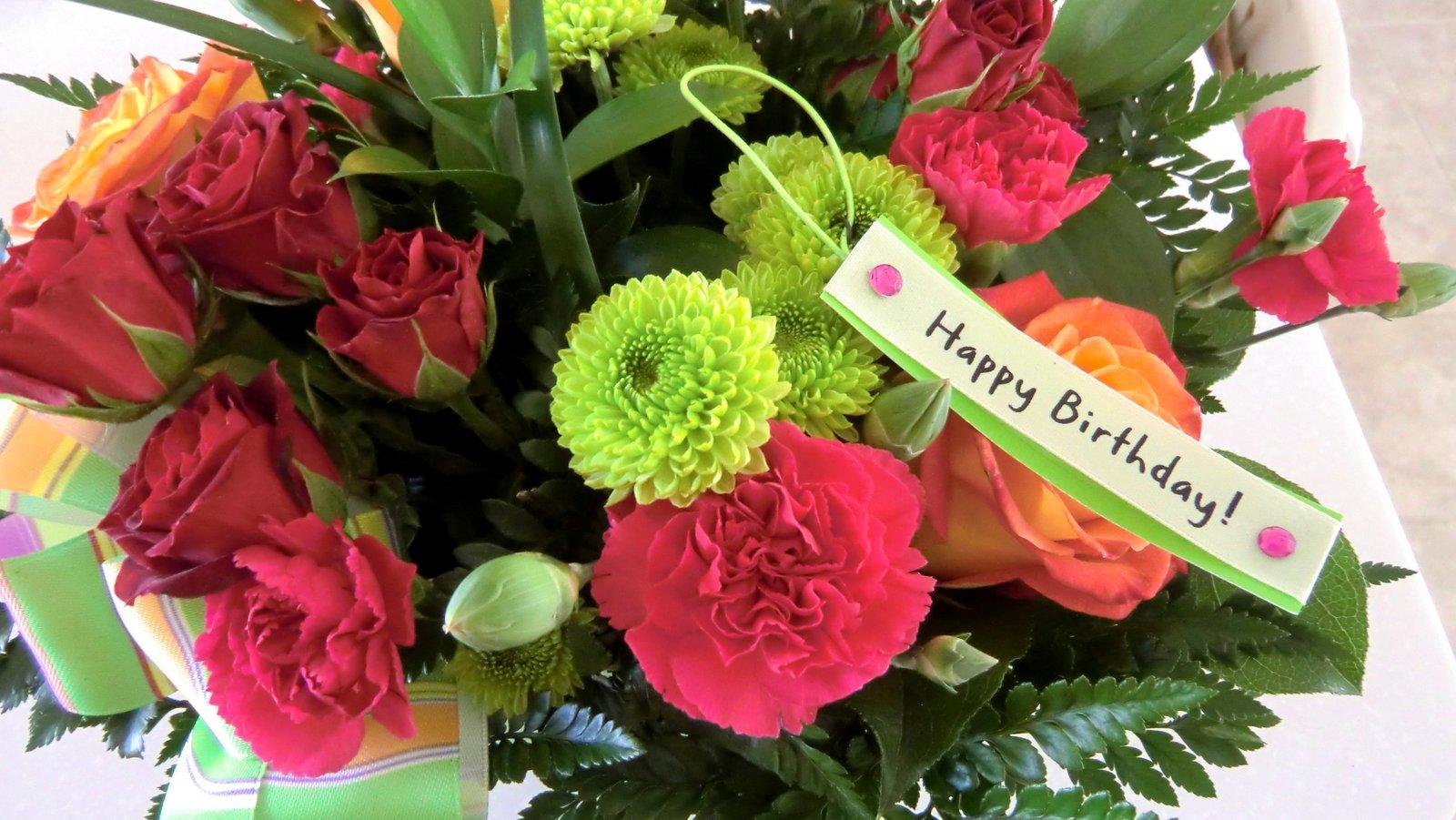 кажется, что фото цветы день рождения открытки узнать, как сделать