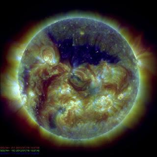 Óriási sötét lyuk nyílt a Napon, hetvennyolc Föld elférne benne
