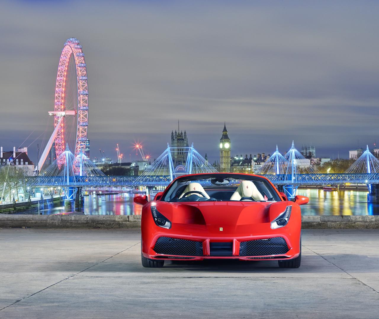 Ferrari 488 Spider ra mắt tại sự kiện VIP ở London