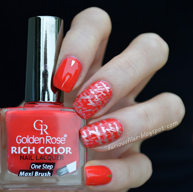 red studded nails MoYou London pro xl stamping #31dc2015