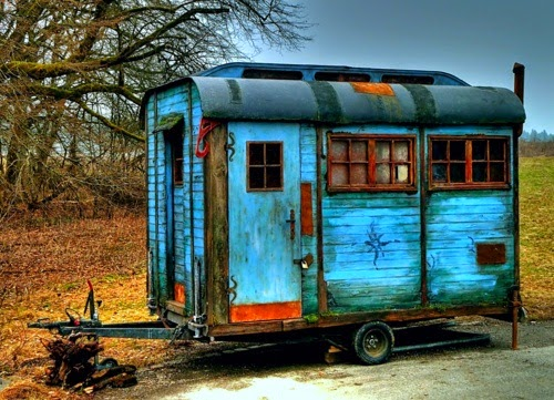 Solar Kiel The Flying Tortoise: Gypsy Wagons. Tiny Colourful Bohemian