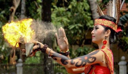4 Panglima Perang Suku Dayak Yang Paling Misterius - FAJAR BANGSA NEWS