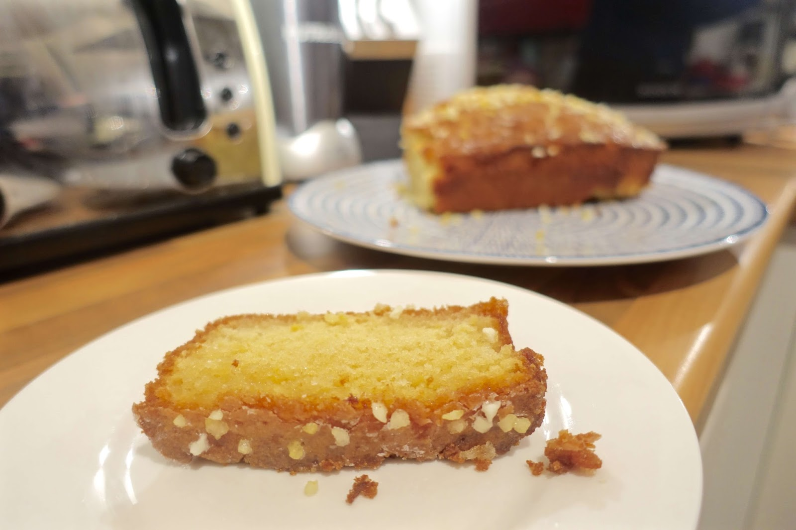 lemon drizzle cake loaf slice