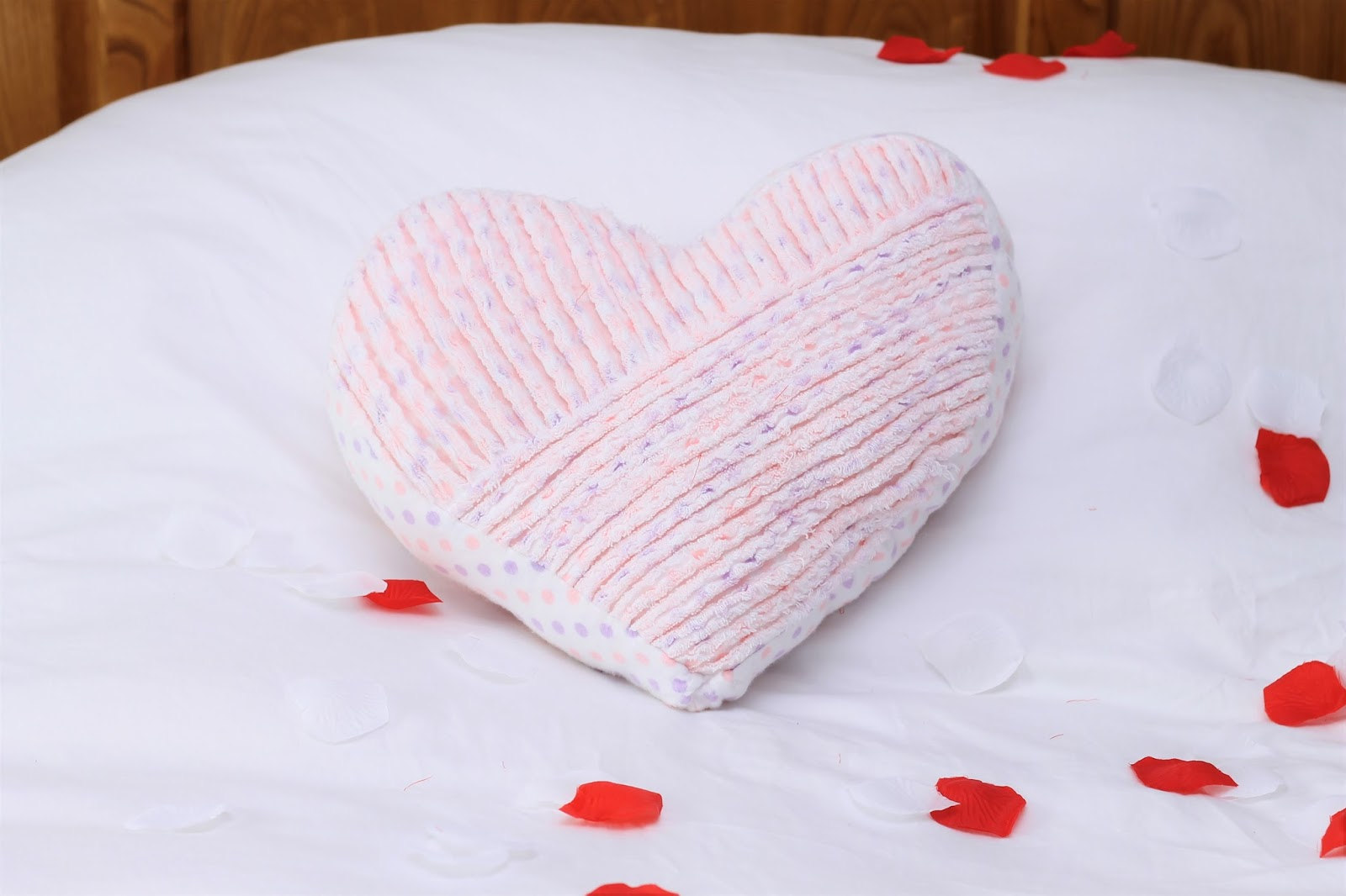 Tutorial and pattern: Faux chenille heart pillow