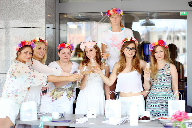 Bachelorette party, junggesellinnen, weiß, brunch, blumenkranz, sekt, polen, polska, panienski, wyspa hel, polwyspa, bridal shower, goodiebag, navucko, karolina kurkova, pandora, armband, flash tattoos, tem bride,