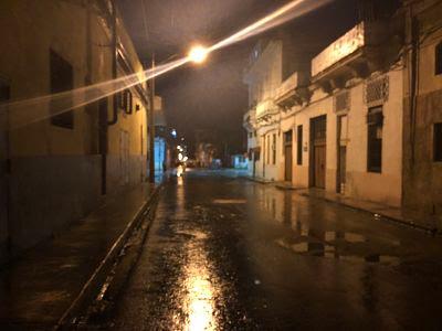 La Habana de noche. Barrio Pueblo Nuevo