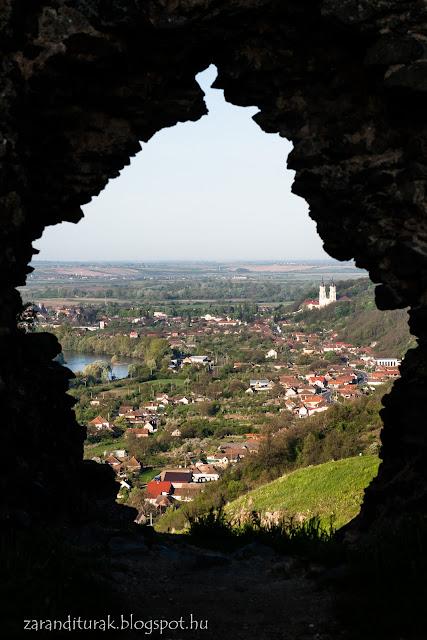 Kilátás Solymos várából Lippára és a Maros völgyére