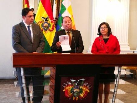 """Bolivia rechaza actitud de """"conspiración"""" de EE.UU"""