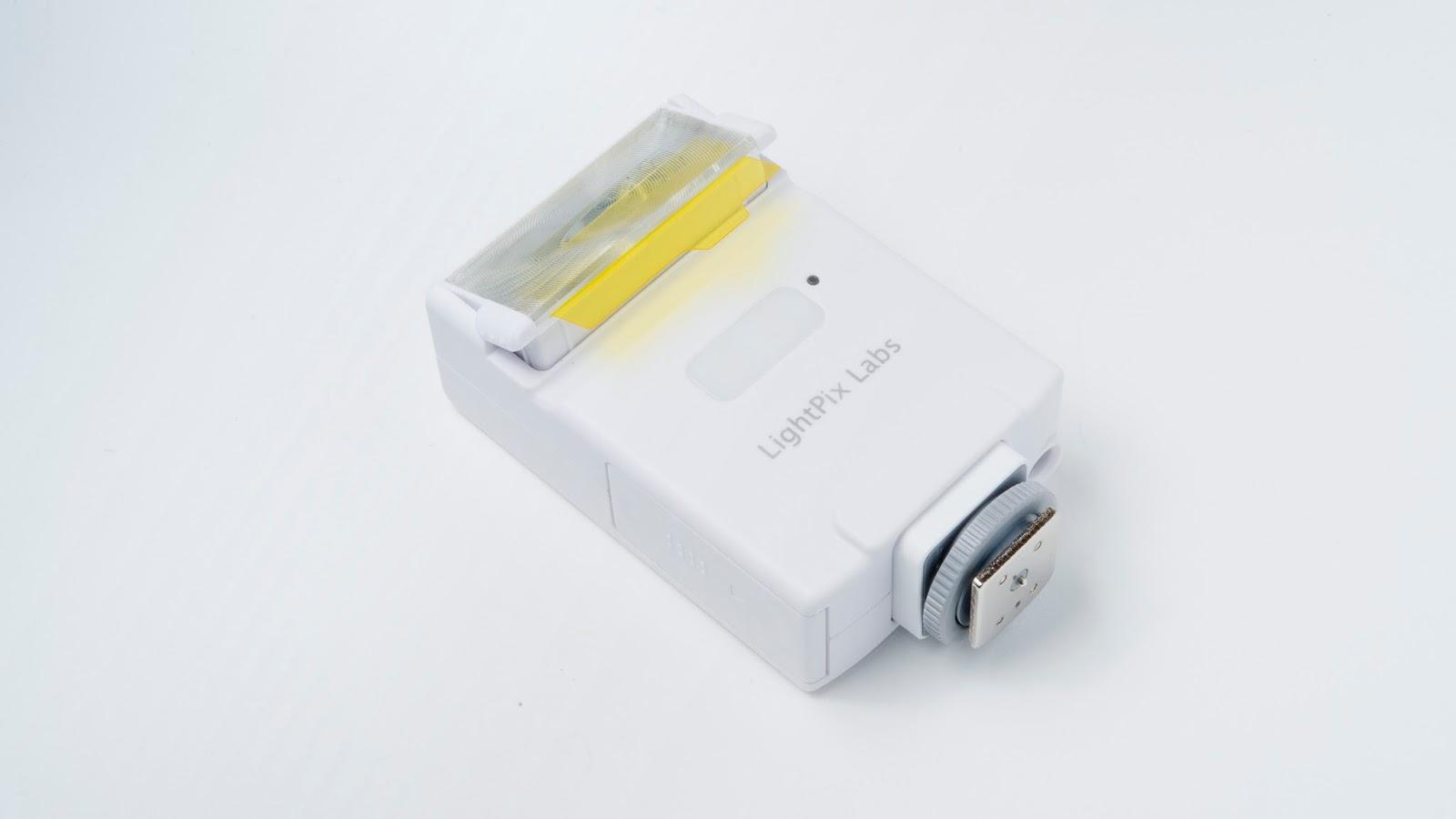 Установка цветных фильтров во вспышку FlashQ Q20
