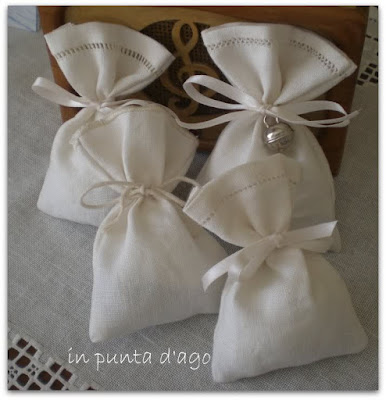 http://silviainpuntadago.blogspot.it/2012/04/profuma-cassetti.html