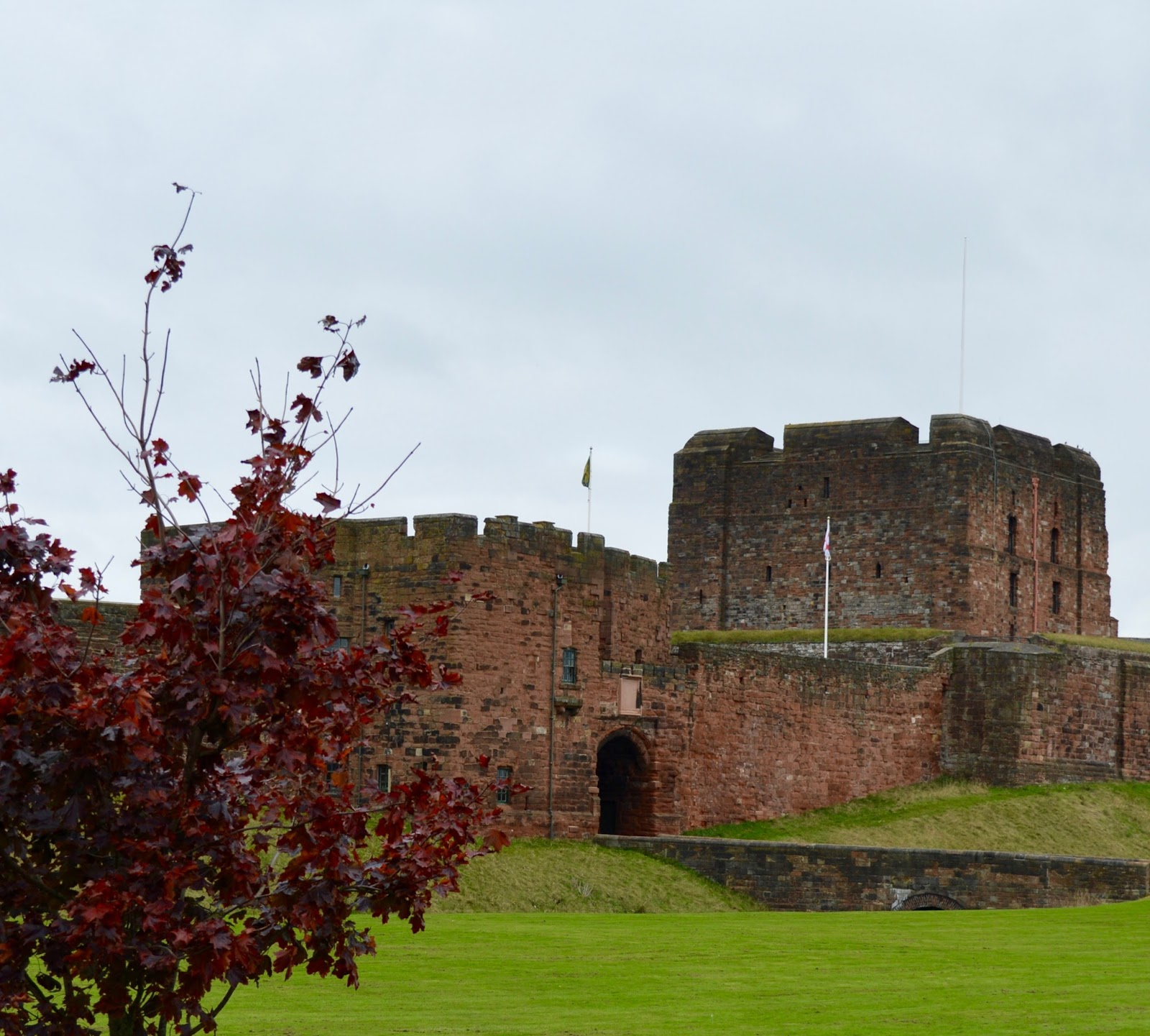 Great Days Out with Northern  | Our Day Trip to Carlisle by Train -  Carlisle Castle in autumn