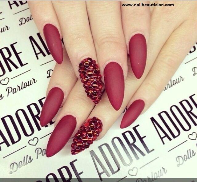 Hot purple Matte nail art