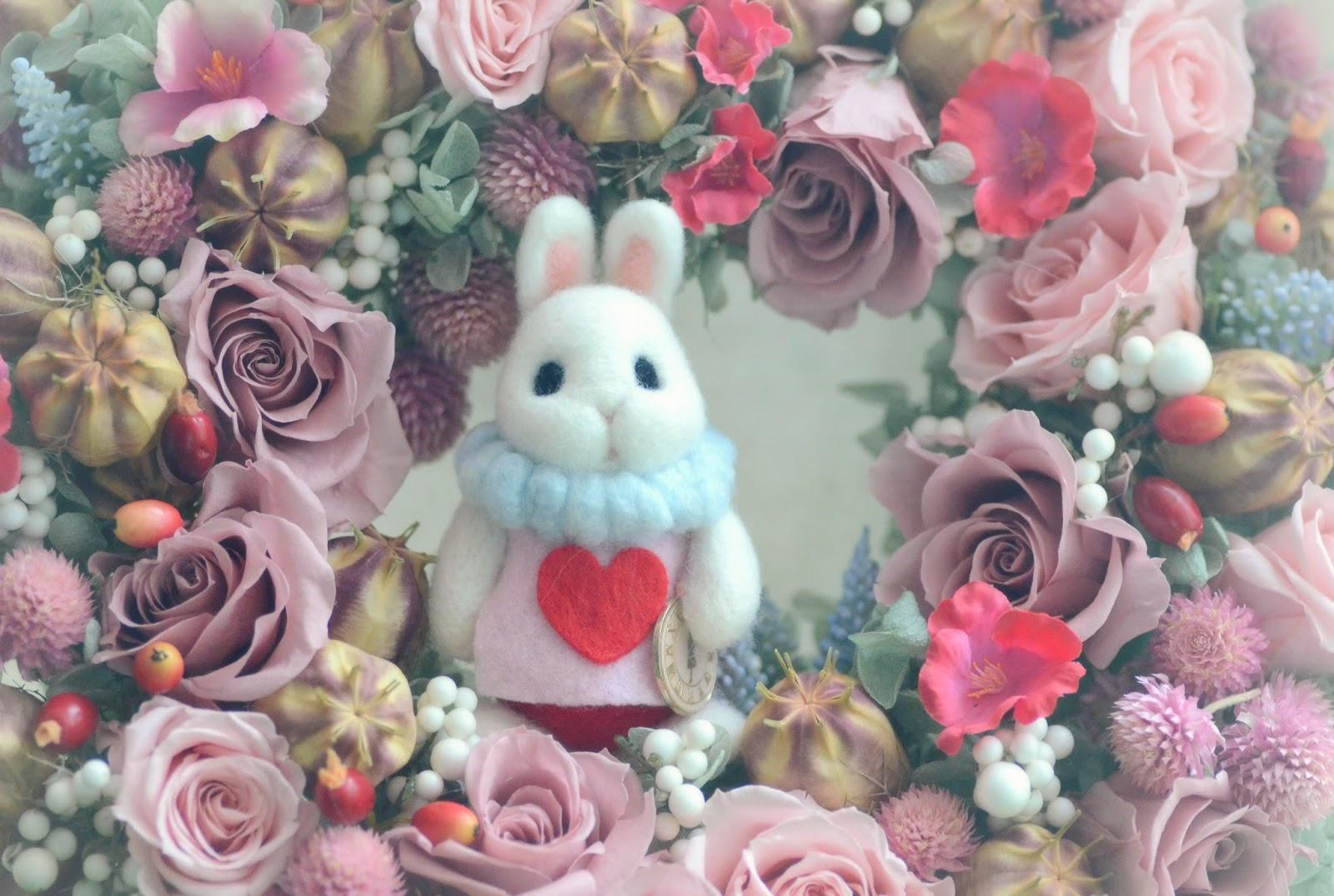 Nozomi crafts alice in wonderland white rabbit in flower for Alice in wonderland crafts