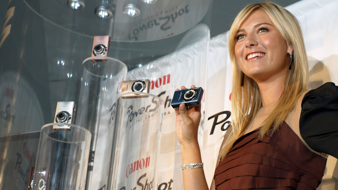 Wallpaper: Maria Sharapova and her Canon Powershot Diamond Collection