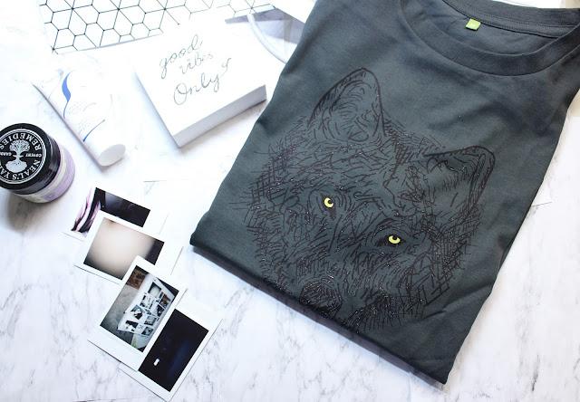 llama teemill, llama teemill review, llama teemill blog review, sustainable organic t-shirt uk, llama t-shirt review, penguin t-shirt blog review