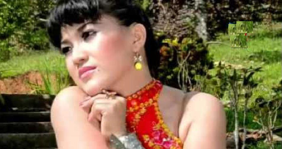 Liza Tania: Tungga Babeleang (Lirik + Chord)