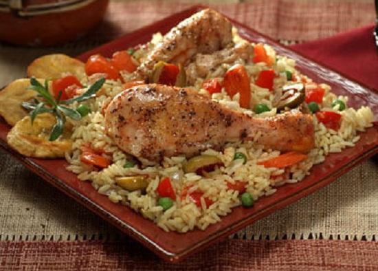 Μπουτάκια κοτόπουλου με ρύζι και λαχανικά