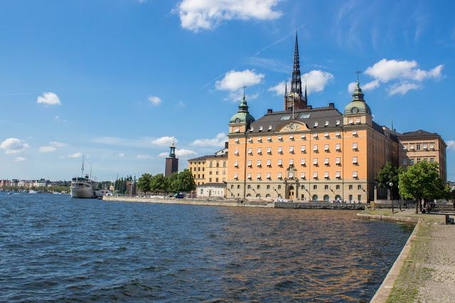 Riddarholmen, ilha ao lado do Gamla Stan, o centro histórico medieval de Estocolmo