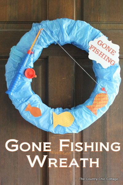 A great fishing wreath for your front door this summer!  Come watch a great video on making this wreath in 10 minutes or less!