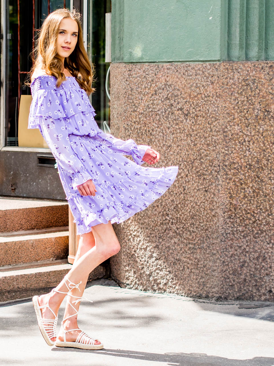 fashion-blogger-summer-outfit-inspiration-floral-dress-bikbok-kesämekko-kukkamekko-muotiblogi-inspiraatio